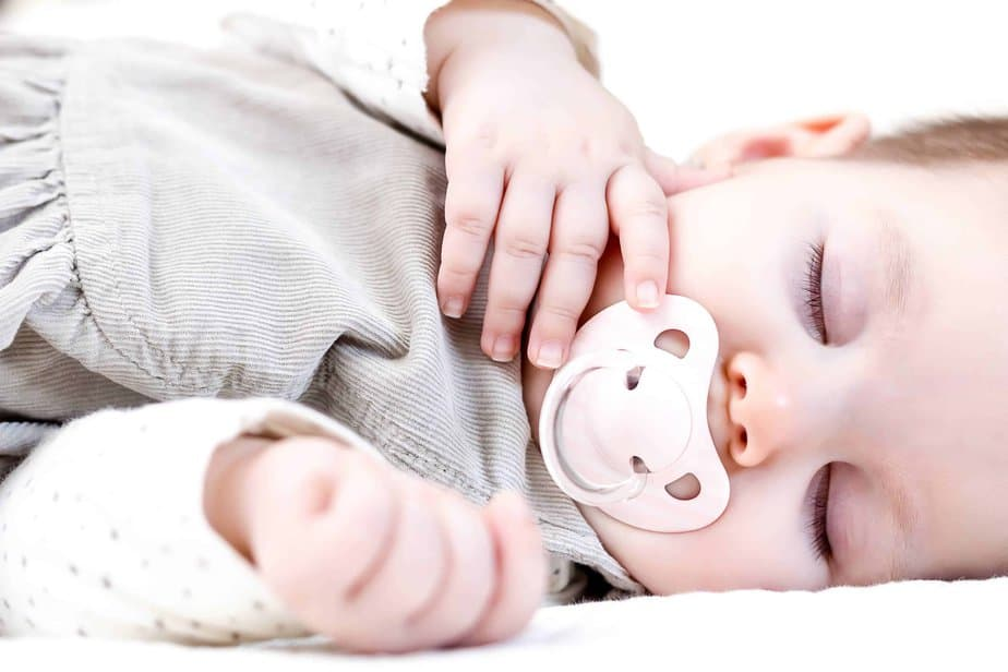 The Best Non-Toxic Pacifiers for Babies (2020 Reviews)